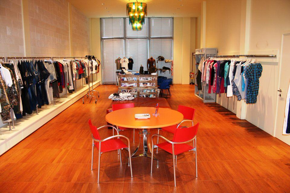 Temporary showroom arredato a Padova
