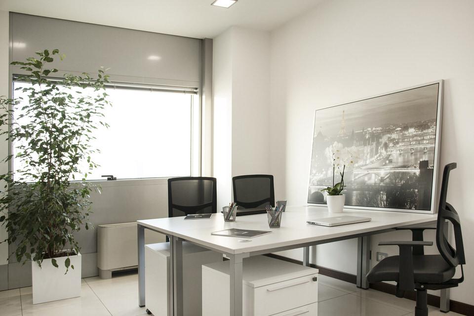 ufficio arredato padova luminoso
