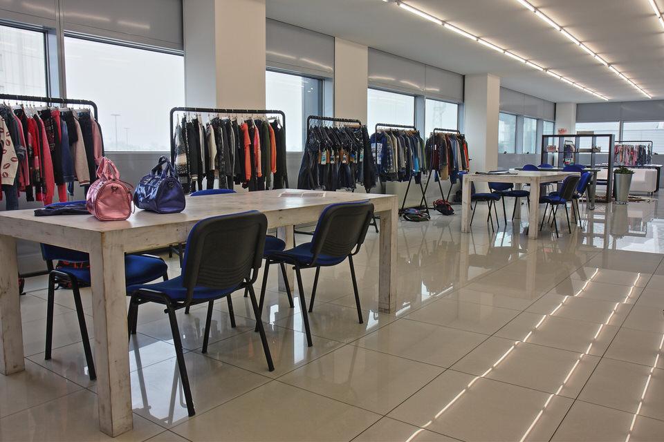 tooled temporary showroom padua